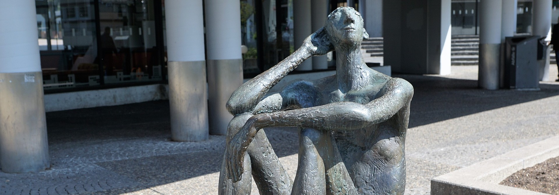 sculpture-2260386_1920-1920x672.jpg